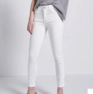 Current Elliott the Stiletto white denim jeans 23